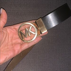 Reservible Michael Kors belt